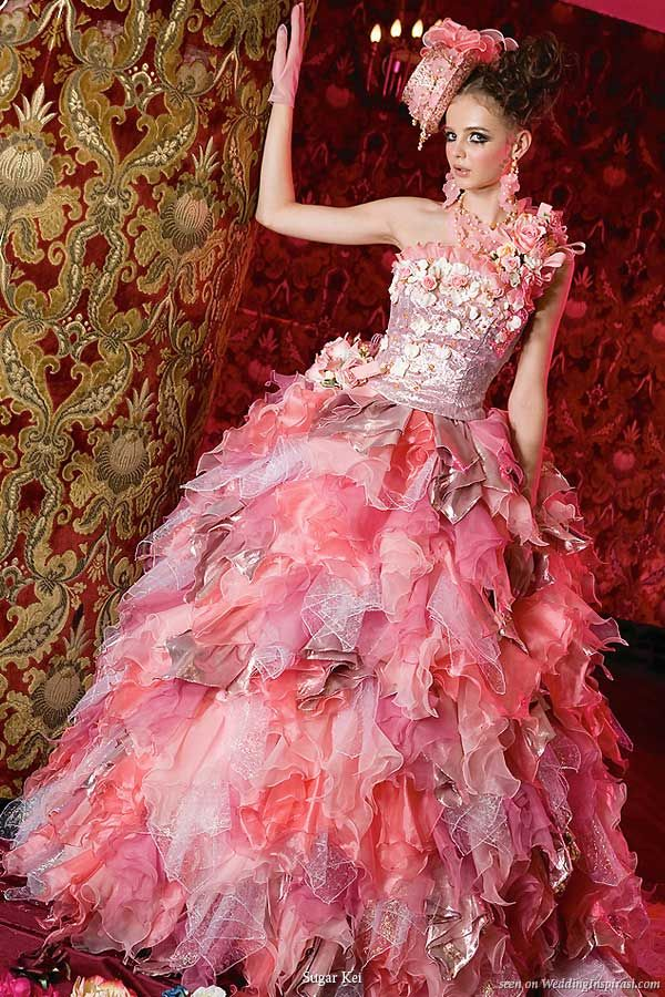 insane detail!Dresses Wedding, Wedding Dressses, Fashion, White Wedding Dresses, Pink Wedding Dresses, Formal Dresses, Fairyte Wedding, Brides Dresses, Gowns