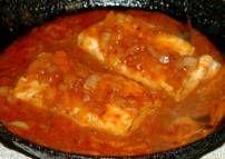 Gebakken vis met saus dit keer zonder knoflook... heerlijk gerechtje en lekker met rijst en groenten. Zien ook mijn artikel: Nasi of bami speciaal