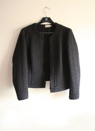 Kup mój przedmiot na #vintedpl http://www.vinted.pl/damska-odziez/marynarki-zakiety-blezery/18166969-piekny-czarny-zakiet-tloczony-wzor-narzutka-marynarka-ze-wzorem-basic-casual-minimalistyczna-minimal