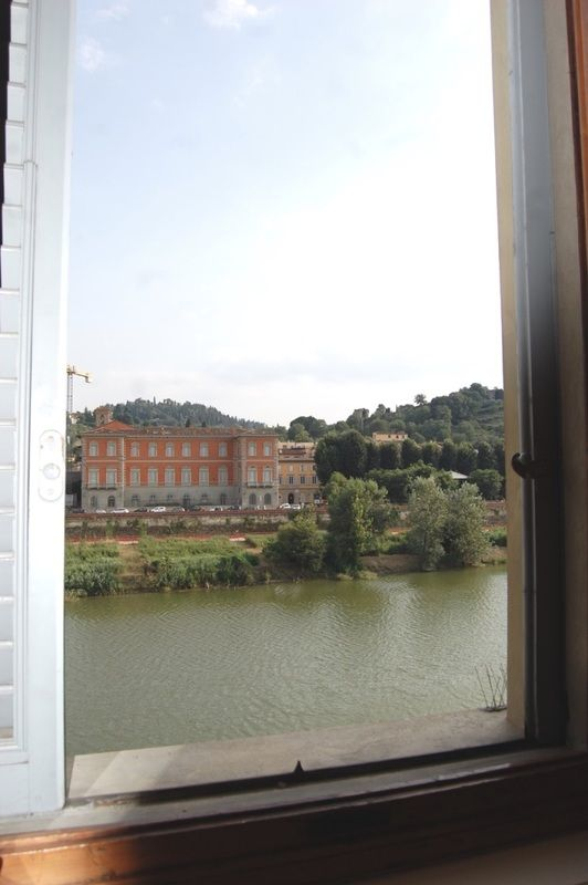 Luxury apartment facing the Arno river - Historical centre of Florence - My Jewel