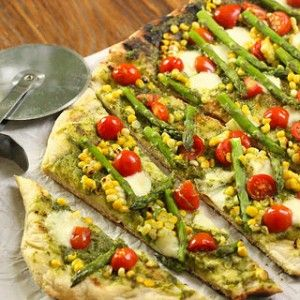Summer Harvest Grilled Pizza ( vegans use cheese replacer or none at all)  thelazyassvegan.com