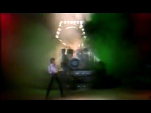 Queen - Bicycle Race (Official Video) - YouTube
