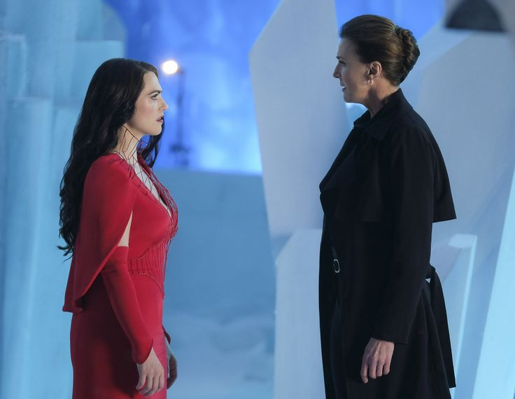 "Supergirl ""Resist"" S2EP21"