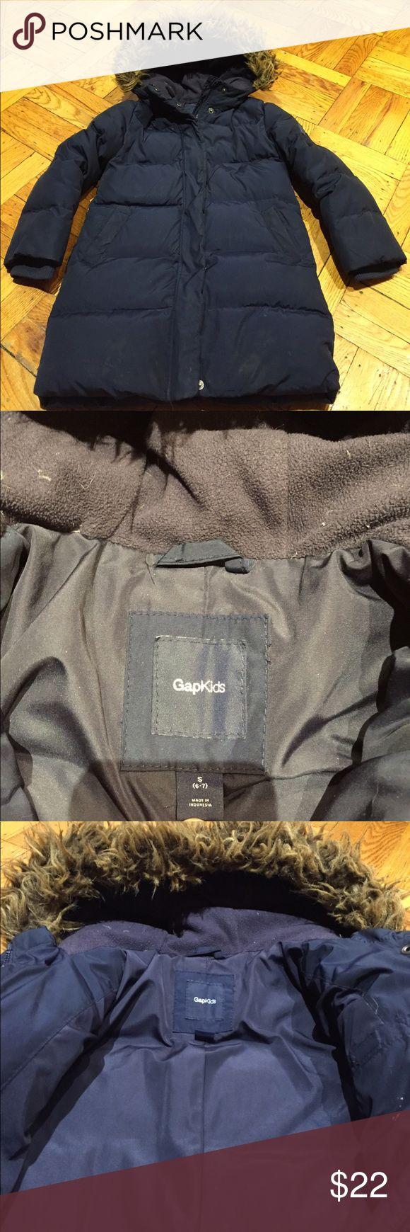 ☃️Winter puffer jacket GAP☃️ unisex ☃️Winter puffer jacket GAP☃️ unisex size small (6/7) worn condition but still keep your little one warm GAP Jackets & Coats Puffers