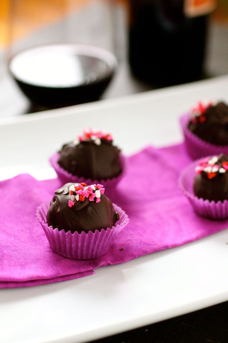 Chocolate red wine truffles. Perfect combination for a perfect Valentine's Day <3