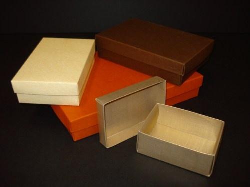 """Cajas decorativas con tapa troqueladas para que las armes tu mismo en un """"pis pas"""""""
