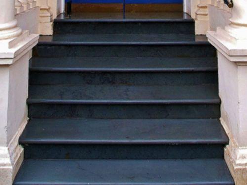 Black-Limestone-Natural-Stone-Steps-Bullnosed-90cm-x-45cm-30mm-Calibrated