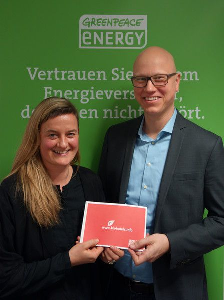 BIO HOTELS Kooperation mit Greenpeace Energy eG. Stromwechsler erhalten Buchungsbonus.