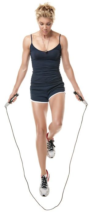 Jackie Warner cardio-acceleration workout: 1-2 min. of jump roping between each strength training set buff