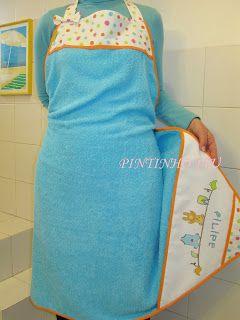 Para que o banho do bebé seja mais fácil e cómodo, aqui fica esta sugestão de um avental que de facto é uma toalha de banho com capuz. Aqu...