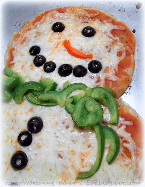 snowman pizza ~ play with your food!