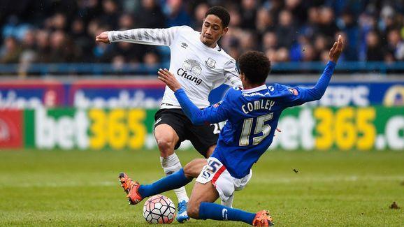 Everton's Steven Pienaar Slams Club for Lack of First Team Opportunities