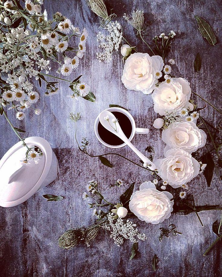 """""""se non ci sono stati frutti e' stata utile la bellezza dei fiori. Se nn ci sono stati fiori e' stata utile l'ombra delle foglie. Se nn ci sono state foglie e' stata utile l'intenzione del seme. """" Adriana Zarri..Good Morning .. FOLLOW:@dubairosefood #dubairosefood #goodmorning #coffeetime #coffeelover #coffeebreak #lovecoffee #coffeeaddict #tealover #breakfasttime #cups_are_love #flowers #vzcomade #foodphotography #foodphotographer #foodphotoshoot #foodstyling #still_life_gallery_ #tv_st..."""