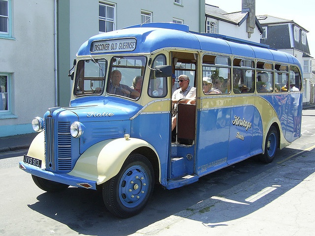 Vintage bus on the Isles of Scilly by Richard and Gill, via Flickr