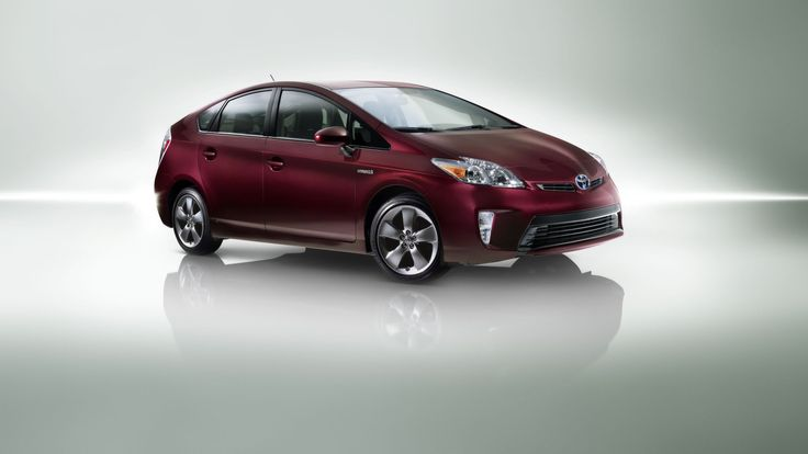 In its third generation, the 2015 Toyota Prius S.E. is as efficient as ever.