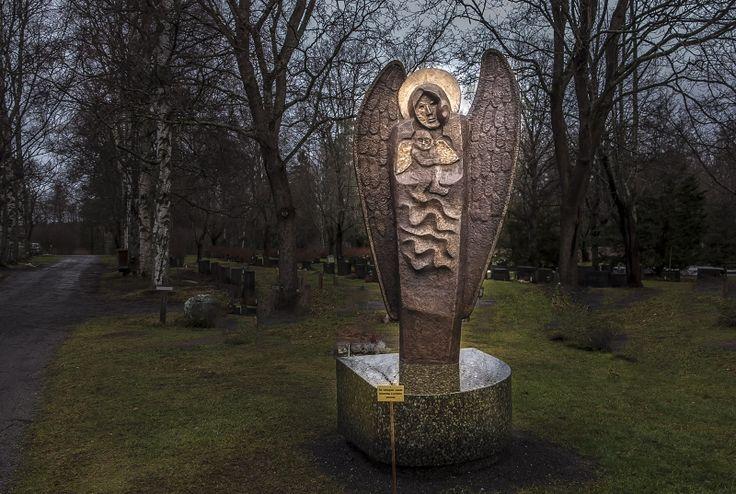 Monumentti hautausmaalla