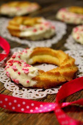 Kakkuviikarin vispailuja!: Vaniljavannikkeet ystävänpäiväksi
