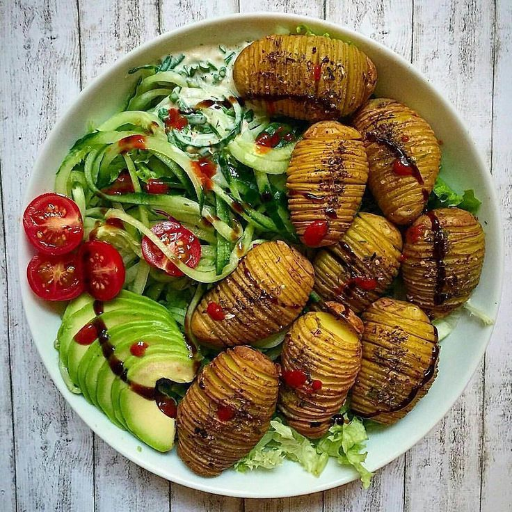 Hasselback potatoes and zoodles salad by @food_without_regrets 💚  Ingredients: 12-14 small potatoes 1 glass of chickpeas (you'll only need the water = Aquafaba) Spices: Garlic powder, chilli or tomato flakes, dried dill Salt and pepper Instructions: Preheat oven to 200°C. Wash and dry the potatoes, leave skins on. Line up 2 chopsticks lengthwise close to your potato. Slice across the width in sections as thinly as you can. This helps to avoid cutting through. Strain the chickpeas and save…