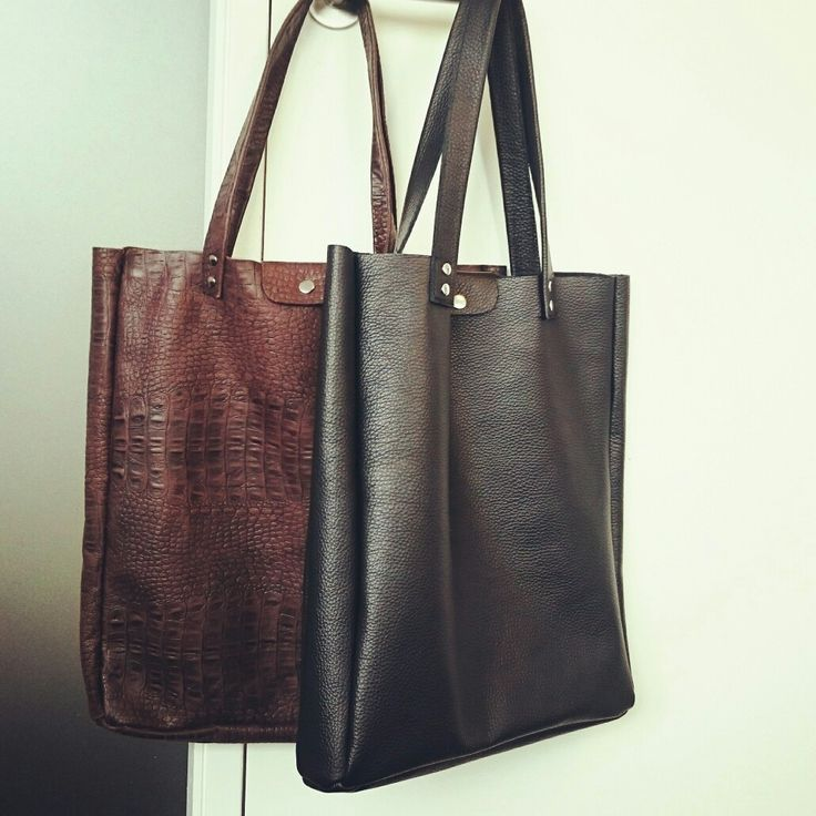 Minimalist shoppers from disorti.