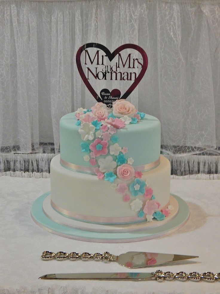 Pastel Wedding Cake by Sweet Fascinations.