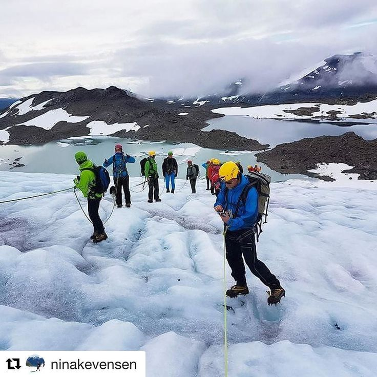 Isbreen. Ice glacier. #reiseliv #reisetips #reiseblogger #reiseråd  #Repost @ninakevensen (@get_repost)  Uranosbreen