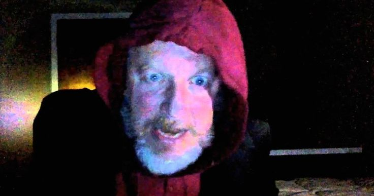 Watch 'Home Alone' Wet Bandit Respond to Macaulay Culkin Video -- Daniel Stern reprises his 'Home Alone' role as Wet Bandit Marv to call out Macaulay Culkin's grown-up Kevin McCallister. -- http://movieweb.com/home-alone-wet-bandit-daniel-stern-video/