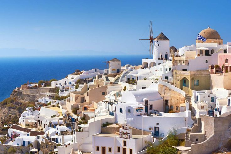 Dreaming of Santorini, Greece? Here's when flights to Europe are at their cheapest and which days are the best to buy tickets.