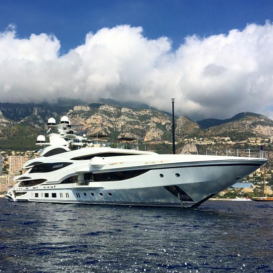 """LIONHEART"" 90m (295ft) by Benetti Yachts."