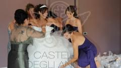 Una #sposa @Castello degli Angeli si prepara in #Suite #abito #wedding #damigelle #love