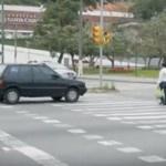 Cuidado quando parar na faixa de pedestre… você pode ser surpreendido!