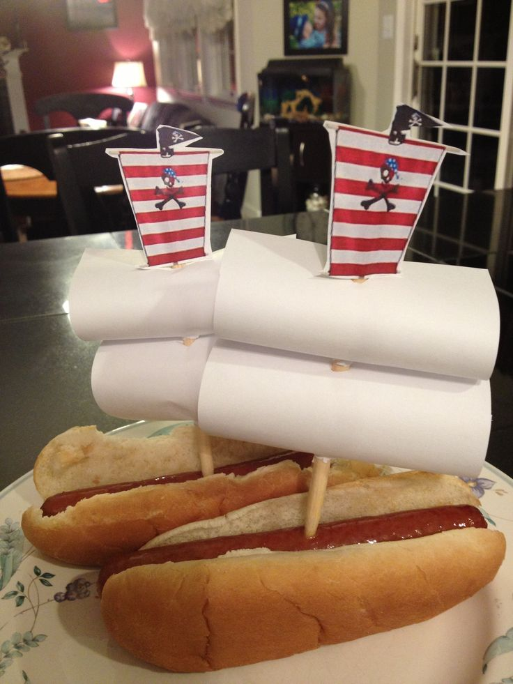 Pirate ship hot dogs! | PIRATE PARTY IDEAS | Pinterest ...