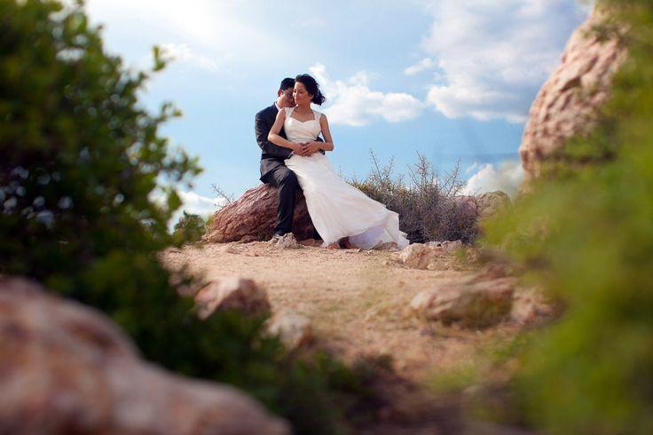 Trash the dress in a summer day in Cabo #weddingsincabo #cabophotographer #chilenobeach #josafatdelatoba #caboweddings #loscabos #destinationweddings