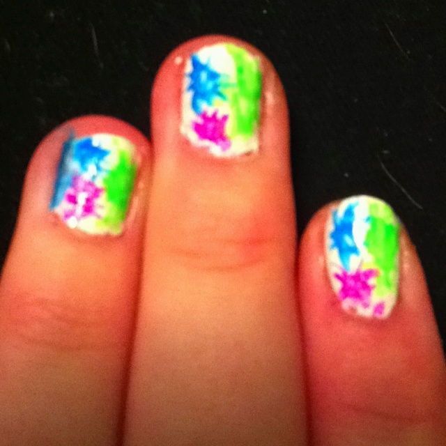 Paint splatter nails :)