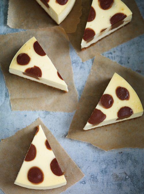 Polka Dot Chocolate Cheesecake/Gâteau à pois choco-fromage