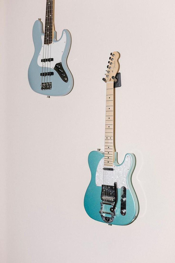 Loving this modded Mystic Seafoam #AmericanPro Tele with a #Bigsby.