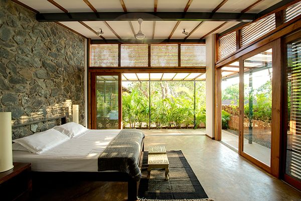 http://www.off-the-grid-homes.net/eco-friendly-homes.html Eco friendly home. Stylish eco-friendly home in harmony with nature
