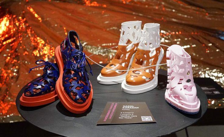 """Hazal Karaşah'a Bilbao Uluslararası Sanat ve Moda Ödülleri'nde Aksesuar 1.liği getiren ayakkabı koleksiyonu """"Neither Here Nor There""""  Shoe collection named """"Neither Here Nor There"""" by Hazal Karaşah, which brought her the 1st place in Bilbao International Arts&Fashion Awards in accessories @hazalkarasah  #turkishleathercouncil #dtg #deri #leather #shoes #hazalkarasah"""