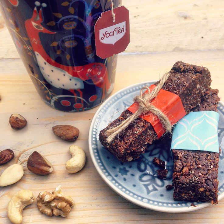 Op zoek naar een detox snack recept? Geniet van deze chocolade noten repen. Ideaal voor onderweg, een kindertraktatie, de picknick, de thee of om te snoepen