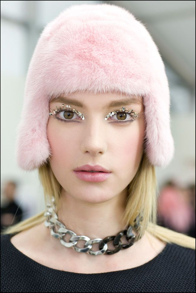 Find this Pin and more on Winter Fashion/Make-up & Hair Trends by lyndastrain22.