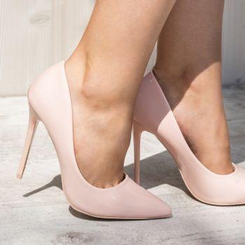 Pantofi stiletto nude din piele ecologica. Inaltimea tocului este de 11,5 cm
