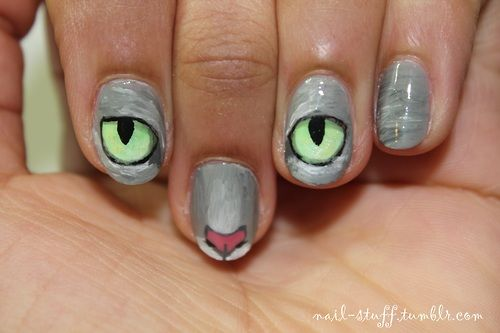 Cat nails! I just got a request to do these and I thought they'd be kinda cool to do! (And I have a slight obsession with the feline species, but we don't need to go into that heh heh) For the background I used Sidewalkers by NYC