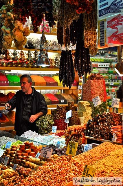 Spices, Turkish Delight or tea? Take your pick! Grand Bazaar #Istanbul---I know I pinned it in food too, I don't care it belongs in both