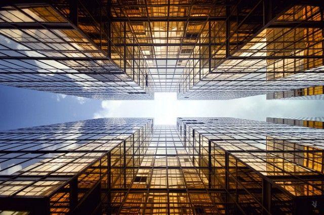 Vertical Horizon - Romain Jacquet-Lagreze (Hong Kong)