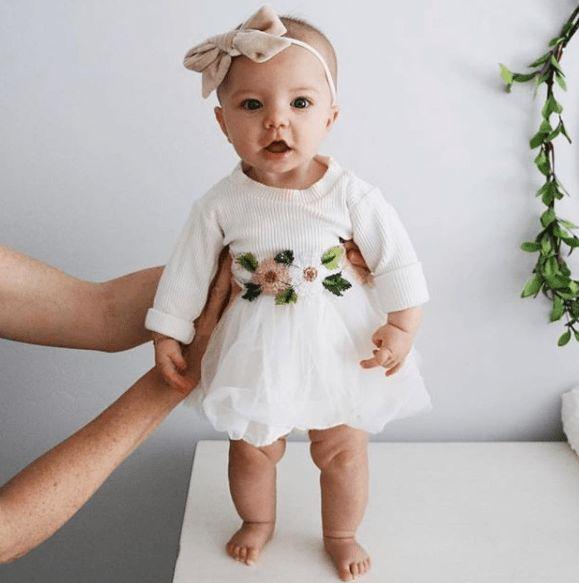 Blumen- und Tutu-Kleid   – Vibes