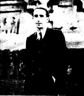 A. Cunqueiro en Barcelona, arredor de 1934.