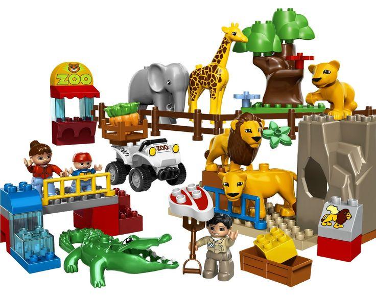 Lego Duplo este o arie de jucării de constucții din gama Lego, definit pentru copii de 1,5 – 5 anișori. Cuburile Lego Duplo sunt de două ori lungimea, înălțimea și lățimea tradiționalelor cubulețe Lego, făcându-le mai ușor de manevrat și mai puțin probabil să fie înghițiți de către copilașii mai mici  : http://bit.ly/1wzY7Jz