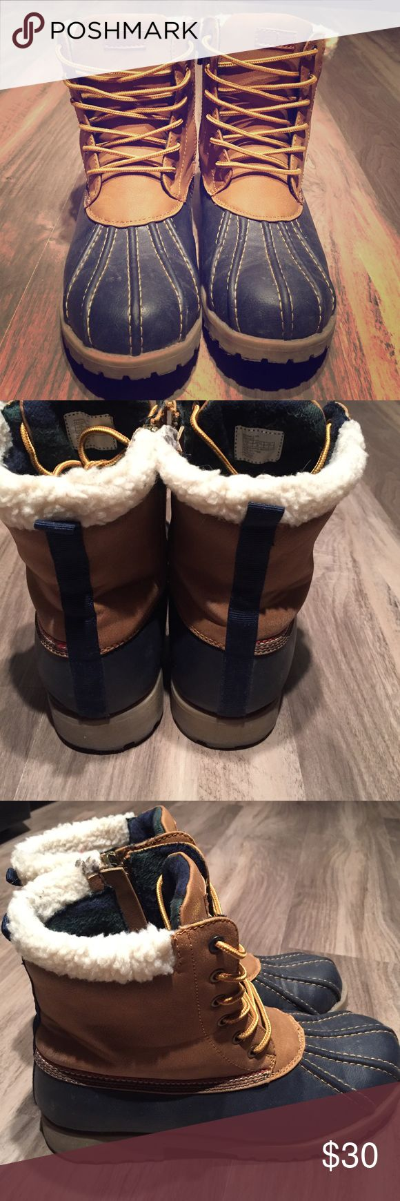Child's size 5 Tommy Hilfiger winter boots! make an offer, I'll likely accept it! Gently worn zip-up winter boots! Tommy Hilfiger. Tommy Hilfiger Shoes Boots