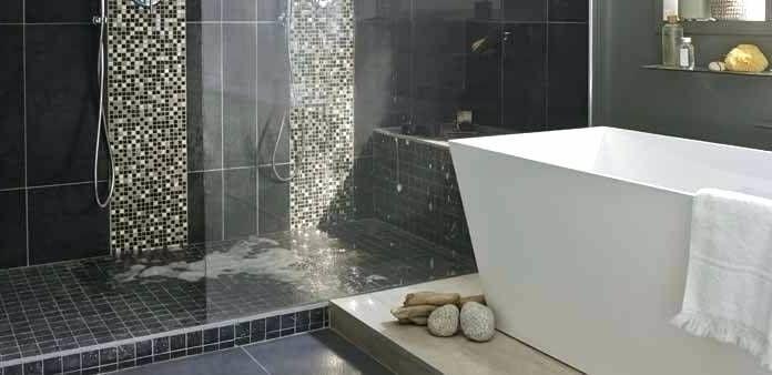 Salle De Bain Moderne Avec Douche Italienne Et Baignoire Douche