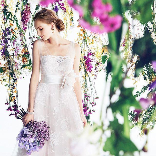#sweet #pink #dress  イタリアからは、ピンクの優しい色合いのカラードレスが届きました。 花嫁を幸せに包んでくれる1着。 アンティークゴールドのアクセサリーや、ライラックのブーケを合わせてコーディネートにアクセントをつけて着こなしてみてください。  #wedding #weddigdress #colordress #beautiful #beautifulbride #flower #bouquet #weddingflowers #bride #bridetobe #bridal #colorful #instawedding #instagood #instaflower #ウエディング #ウエディングドレス #カラードレス #ピンク #結婚式 #花嫁 #結婚式準備 #プレ花嫁 #ノバレーゼ #NOVARESE