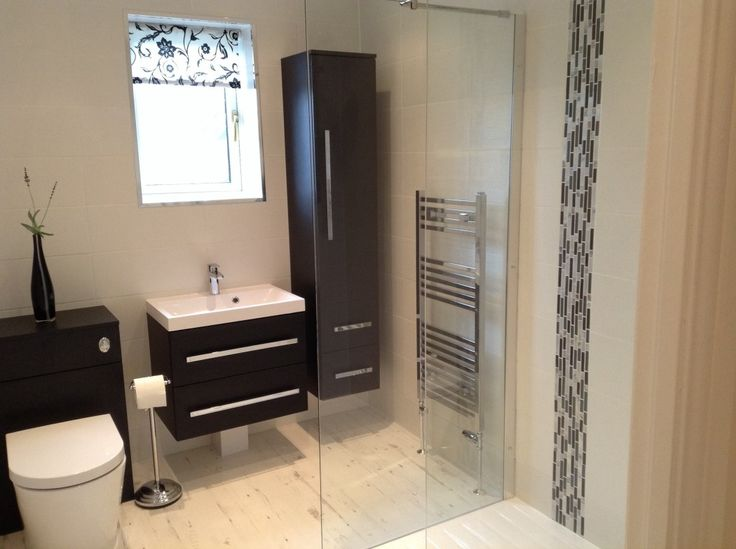 #VPShareYourStyle Sandra from Chester has used contemporary style bathroom furniture alongside a wonderful walk in shower to create a dream wetroom.